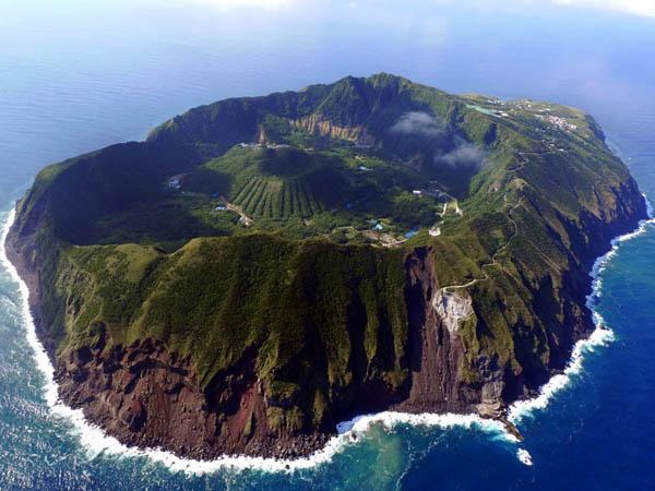 Aogashima – volcanic island – Japan